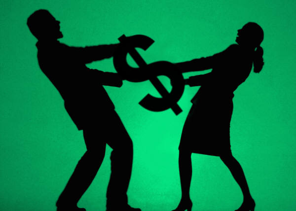 Love and Money: Dealing with Financial Crisis While in Love
