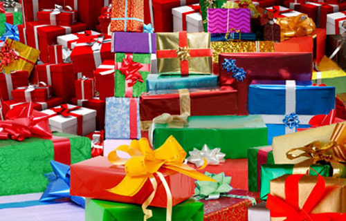 """9 Gift Ideas That Will Have You """"Buying Black"""" This Holiday Season"""