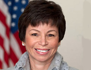 Valerie Jarrett Discusses Entrepreneurship, Small Business Saturday with Black Enterprise