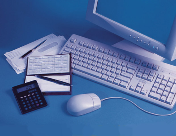 Online vs. Traditional Savings: Which Account Has Your Best 'Interests' in Mind?