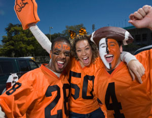 5 Ways to Cash In On Your College's Homecoming