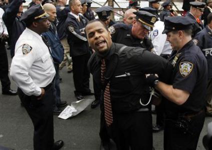Poll Says New York Police Favor Whites Over Blacks