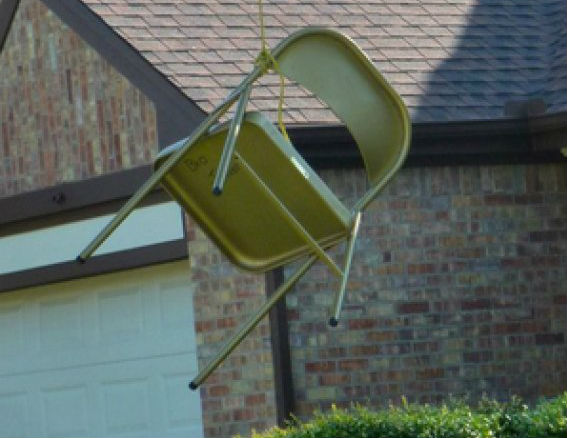 Anti-Obama Texan Lynches Chair in Front Yard