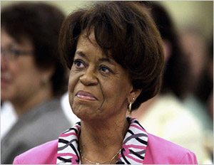 First Lady Michelle Obama's Mom Speaks Out on Presidential Election