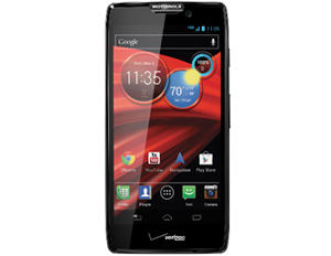 Review Roundup: Battle of the Droid RAZRs