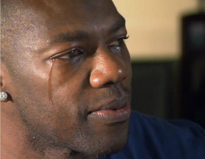 Terrell Owens Selling Used Clothes for Child Support Payments