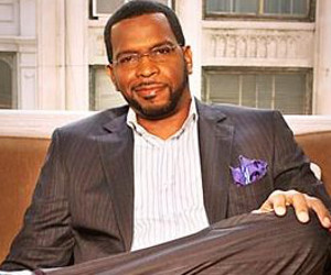 'Uncle Luke' Donates 5000 'b condoms' to Miami Non-profits