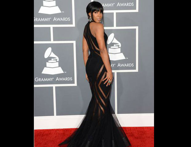 Kelly Rowland shows off her body at the 55th Annual Grammy Awards.