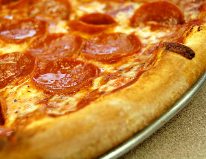 """No Food; Pay me!"" Restaurant Offers Striking Workers Free Pizza in Lieu of Back Pay"
