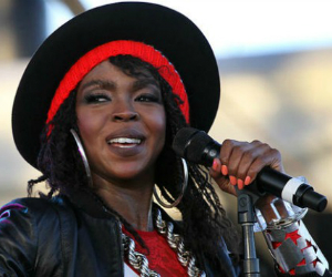 Lauryn Hill Signs New Deal With SONY