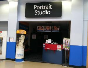 : Portrait studios close in Sears, Wal-Marts.
