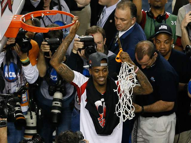 As Louisville's Kevin Ware Cut Down Nets, Fiskars Scissors Gets the Big Stage