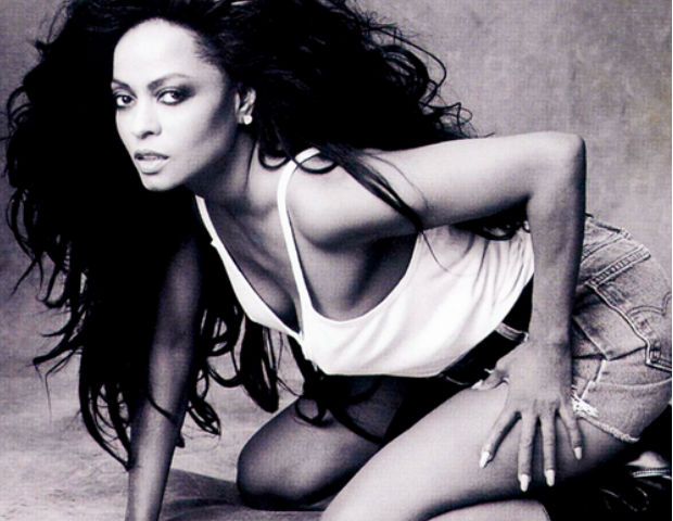 Diana Ross makes her iconic pose