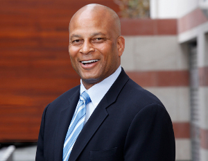 Watch Ronnie Lott Live at 4:45pm at Entrepreneurs Conference