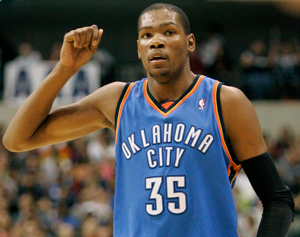 Nike Wins Signing War for Kevin Durant