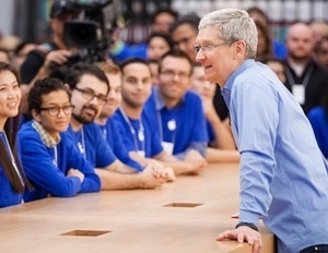 Have Lunch With Apple's CEO (If You Can Afford It)