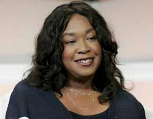 Shonda Rhimes Will Publish Her First Book This Fall