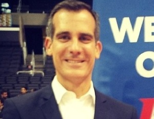 Los Angeles Mayor Anticipates Lengthy Battle With Clippers Owner