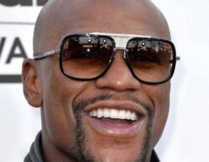 Floyd Mayweather Wants Manny Pacquiao to Sign With Him to Fight