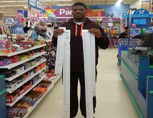 NFL Player Andre Johnson Buys More Than $16,000 Worth of Toys for Local Kids