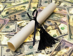 6 Tips to Avoid Wrangling with Your Student Loan Servicer