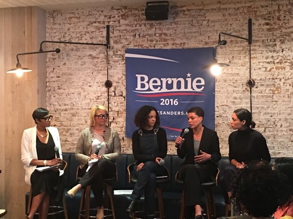 Sanders Campaign Holds All-Women Roundtable in Harlem