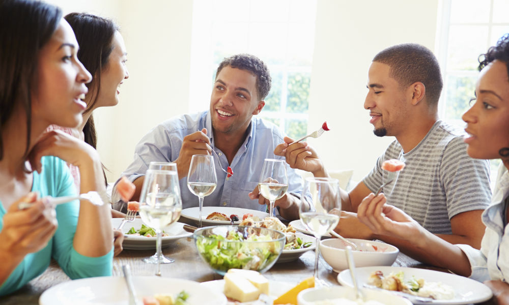 Weekend Wellness: Spend Your Lunch Break With People You Like