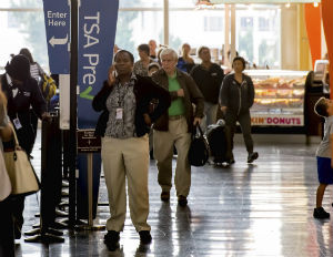 5 Ways to Stay Productive (and Sane) While Waiting on a TSA Security Line