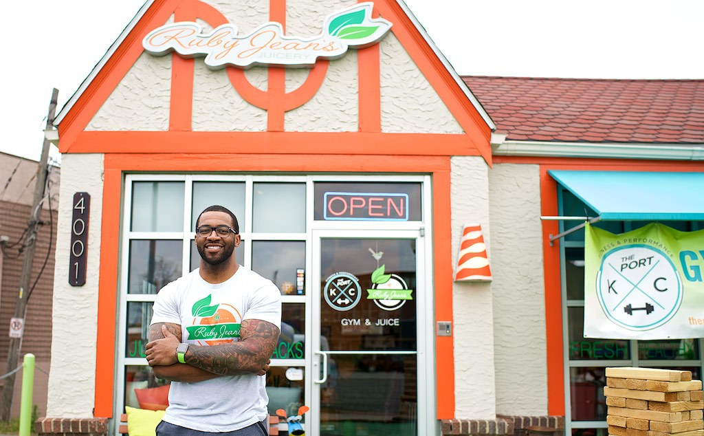 Kansas City Entrepreneur Becomes First Black-Owned Juice Bar Inside Whole Foods