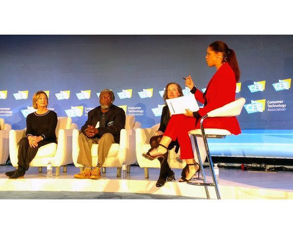 (From left to right: Elizabeth Gabler, President Fox 2000 Pictures, 20th Century Fox; Rashid Ferrod Davis, Founding Principal, P-TECH; Kristen Summers, Technical Delivery Lead, Watson Public Sector, IBM; Soledad O'Brien, journalist and panel moderator.