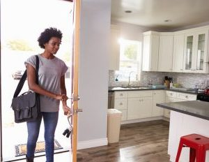 A Single Woman's Guide to Buying Her First Home