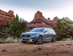 2017 Volvo V90 Cross Country: Paradigm Shift for the Maker of 'Swedish Bricks'