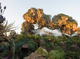 Pandora – The World of Avatar Is a Journey Beyond Belief
