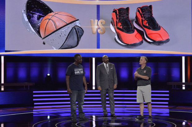 """STEVE HARVEY'S FUNDERDOME - """"Episode 112"""" - Aspiring inventors hope to win over a live studio audience to fund their ideas, products or companies, on an all-new episode of the seed-funding competition reality series, """"Steve Harvey's FUNDERDOME,"""" on SUNDAY, JULY 23 (9:00-10:00 p.m.), on The ABC Television Network. (ABC/Lisa Rose) MEDIN GEBREZGIER (THE GAME BAG), STEVE HARVEY, STEVE MCLAUGHLIN (COURT GRABBERS)"""