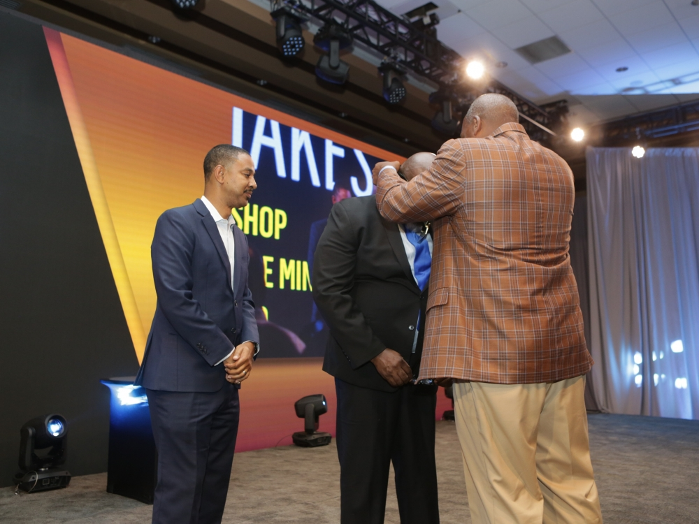 Black Men Xcel Recap Day 1 TD Jakes receiving award
