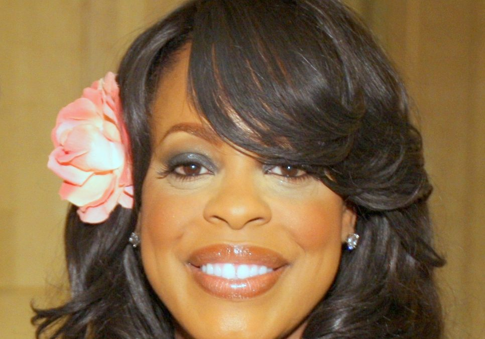 TNT Orders a Late-Night Pilot Series Hosted By Actress Niecy Nash