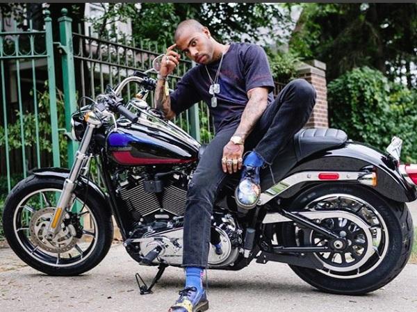 After Insulting Police Entrapment Scheme, Rapper Vic Mensa Gives Back