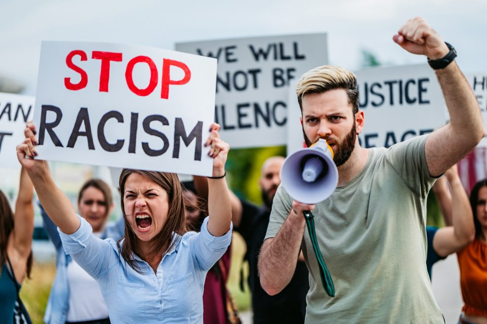 white protesters white people