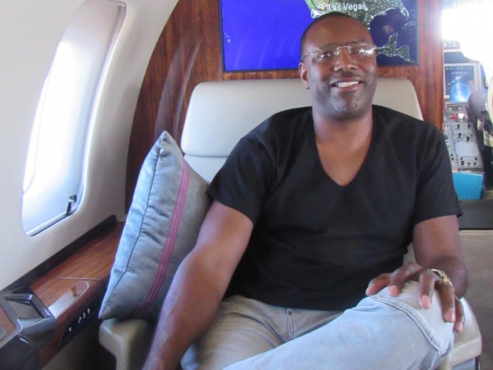 Vomos Mark McNeil Private Jet travel