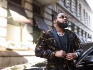 "Philly Artist Louie V Gutta Sends Powerful Message in New Visual, ""Black Man in Amerikkka"""