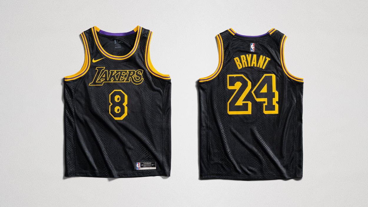 Lakers Wearing 'Black Mamba' Jerseys