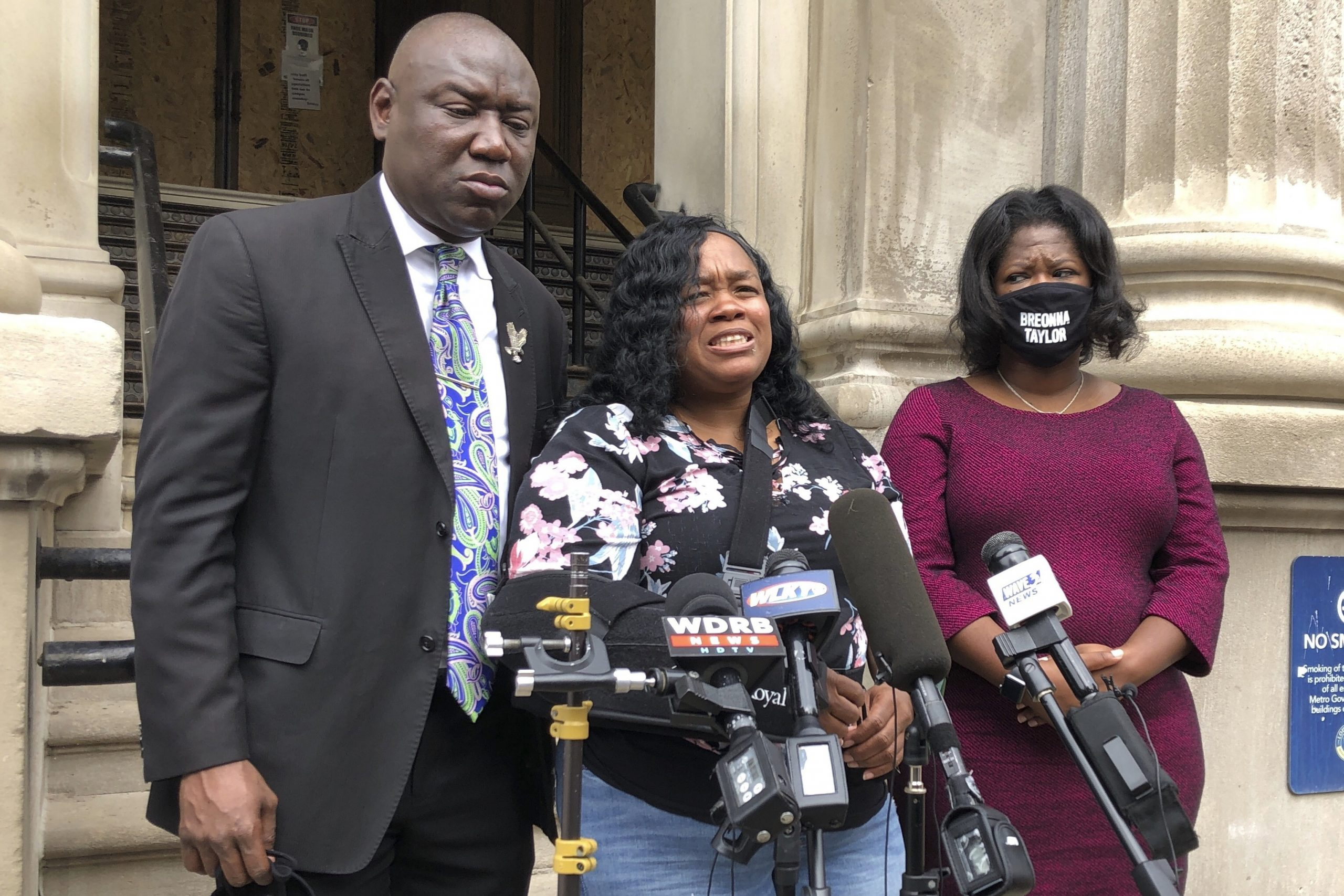 Breonna Taylor's Mom: 'I Have No Faith in the Legal System'