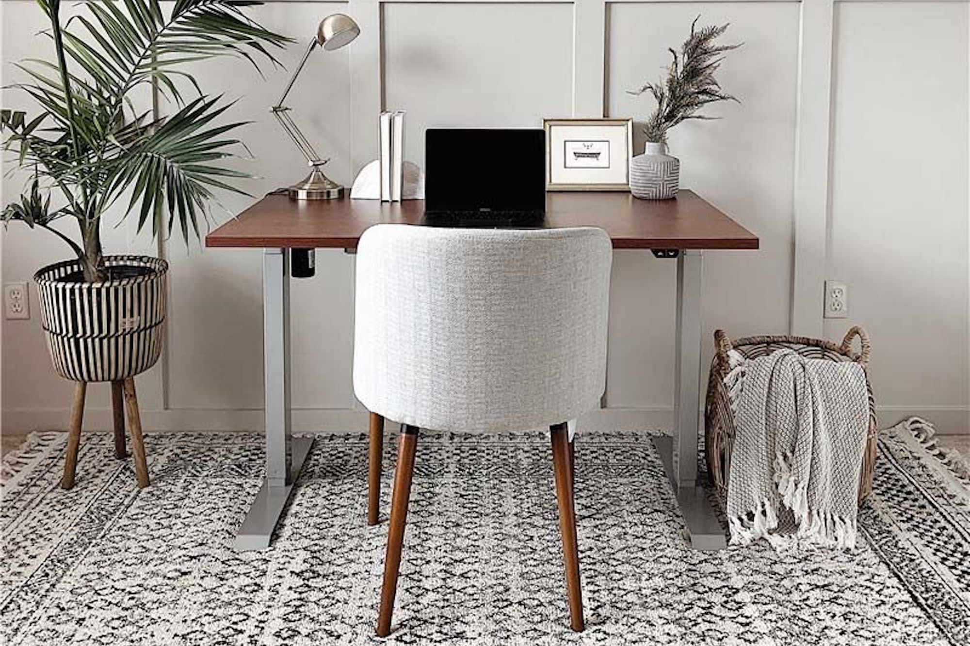 10 Home Office Essentials You Can Get At Black Friday Pricing Right Now