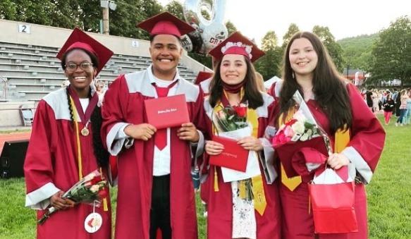 Harvard-Bound High School Grad Gives up K Scholarship