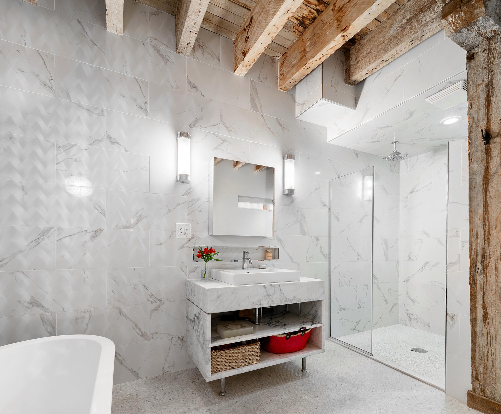 Biggie Smalls' Apartment Bathroom