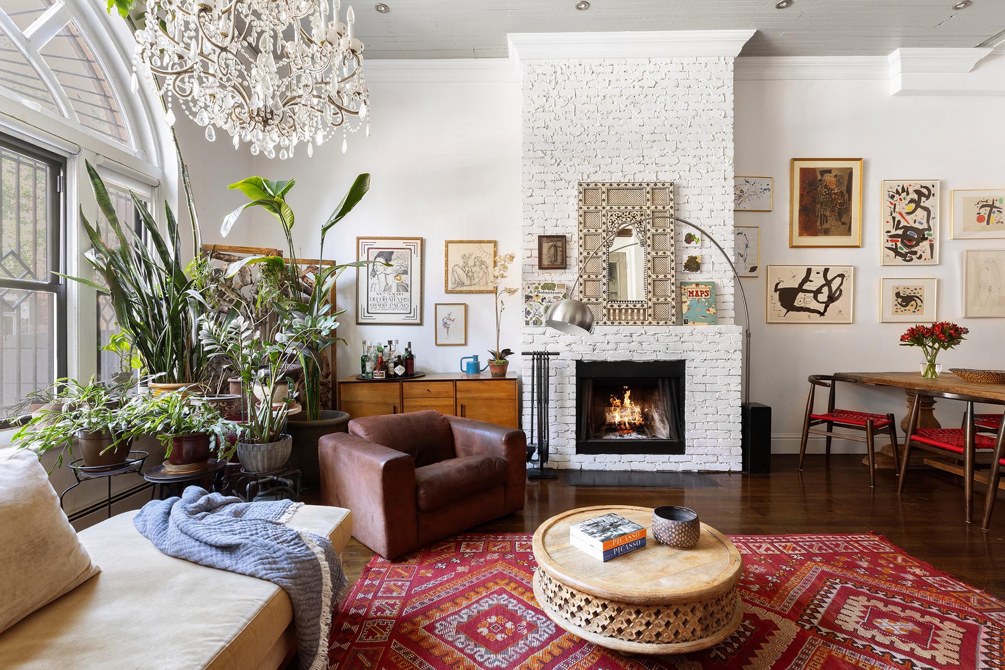 Biggie Smalls' Apartment Living Room 2